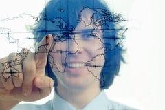 Mann mit Karte der Welt Stockbilder