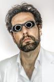 Mann mit kühlen Sonnegläsern Stockbilder