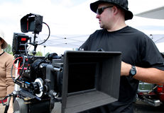 Mann mit Kinokamera Lizenzfreie Stockfotografie