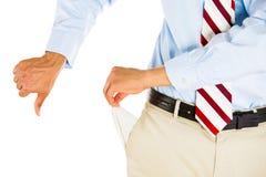 Mann mit leeren Tasche und den Daumen unten lizenzfreies stockfoto