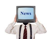 Mann mit Nachrichtenfernsehschirm für Kopf Stockfoto