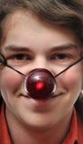 Mann mit roter Wekzeugspritze lizenzfreies stockfoto