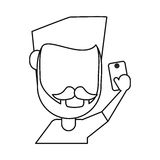 Mann mit Schnurrbartbart unter Verwendung des Smartphone verdünnen Linie Lizenzfreie Stockfotografie