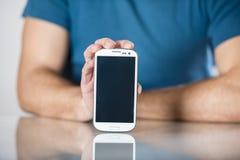 Mann mit Smartphone Stockfoto