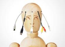Mann mit verschiedenen Kabeln für die Verbindung, die von seinem Kopf kommt Lizenzfreies Stockbild
