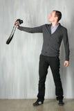 Mann nimmt ein Selbstporträt Stockfoto