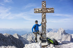 Mann oben auf den Berg Stockfotografie