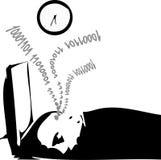 Mann schlafend vor seinem Überwachungsgerät Lizenzfreies Stockbild