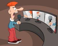 Mann spricht in das Mikrofon Stockfotos