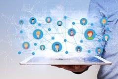 Mann-Tablet-PC-Soziales Netz Lizenzfreie Stockfotografie