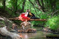 Mann und Frau in der russischen nationalen Kleidung Stockbild