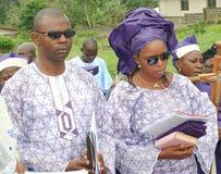Mann und Frau gekleidet in der traditionellen Kleidung Lizenzfreies Stockfoto