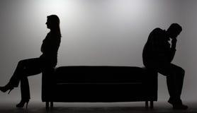 Mann und Frau im Schattenbild lizenzfreie stockfotografie