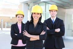 Mann-und Frauen-Architekten-Team stockbilder