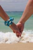 Mann- und Frauenholdinghände Lizenzfreies Stockbild