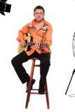 Mann und Gitarre Stockbild