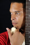 Mann und Gitarre lizenzfreie stockfotos