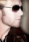 Mann und Sonnenbrillen Stockbild