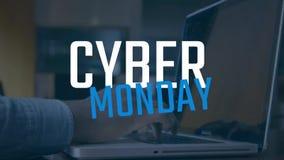 Mann unter Verwendung des Laptops gegen Cyber-Montag-Text stock video