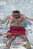 Mann unter Wasser Stockfotografie