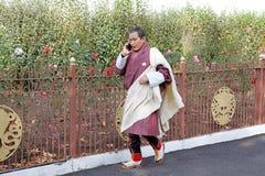 Mann von Bhutan in der traditionellen Kleidung, Thimphu, Bhutan Lizenzfreie Stockfotos