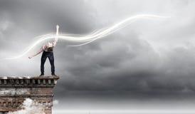 Mann weicht Licht aus Lizenzfreie Stockfotografie