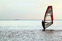Mann Windsurfer Lizenzfreies Stockfoto