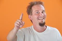 Mann zeigt oben lizenzfreie stockfotos