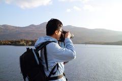 Mannblick auf Landschaft Stockfoto