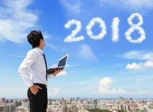 Mannblick zu 2018-jährigem Lizenzfreies Stockfoto