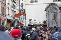 Manneken Pis - estátua famosa em Bruxelas Fotografia de Stock Royalty Free