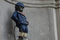 Manneken Pis i Bryssel royaltyfri bild