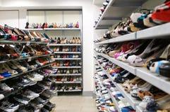Mannelijke en vrouwelijke schoenen Stock Foto's