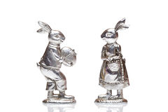 Mannelijke en vrouwelijke zilveren Paashazen Royalty-vrije Stock Foto's