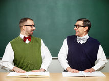 Mannelijke nerds met boeken Stock Afbeeldingen