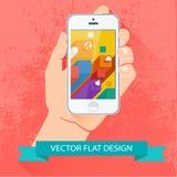Mannelijke smartphone van de handholding. Vector vlak ontwerp. Stock Afbeeldingen