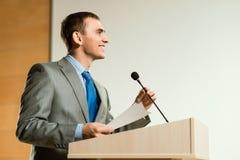 Mannelijke spreker royalty-vrije stock afbeeldingen