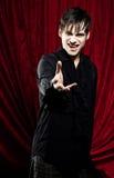 Mannelijke vampier die voor u bereikt Royalty-vrije Stock Afbeelding