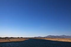 Mannen gjorde sjön i en ny utveckling Royaltyfri Foto