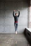 Mannen hoppar i balett Arkivbild