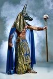 Mannen i bilden av den forntida egyptiska farao Royaltyfri Fotografi