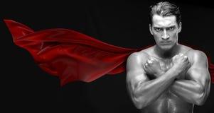 Mannen i skyddande stad för röd räkning Royaltyfri Foto