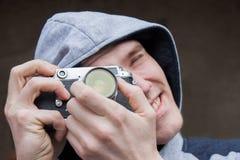 Mannen med kameran Royaltyfria Foton
