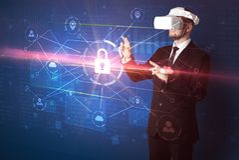 Mannen med VR-skyddsglasögon som låser 3D upp, knyter kontakt begrepp Royaltyfri Fotografi