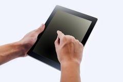 Mannen räcker innehavet och punkt på modern elektronisk digital ram Arkivfoton