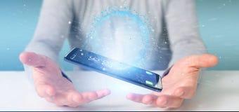 Mannen som rymmer data för tolkning 3d, jordar en kontakt jordklotet på en smartphone Fotografering för Bildbyråer