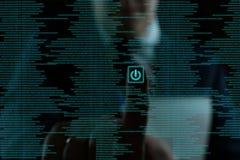 Mannen trycker p? framtida teknologier royaltyfri bild