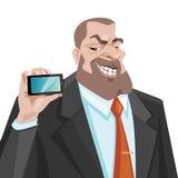 Mannen visar en mobiltelefon Arkivbilder