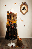 Mannequin de sorcières habillé pour l'automne Images libres de droits