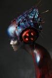 Mannequin in der kreativen Hauptabnutzung mit Spitzen Stockbilder